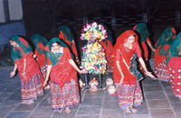 palli jag garabo - a folk dance of Gujarat.   Click to view  larger image.